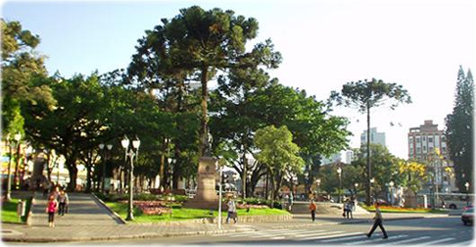 Praça Tiradentes, em Curitiba.